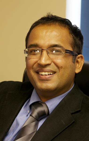 Mbbs Dfsrh Mrcgp Dr Tarun Narula Qualified In 2000 From
